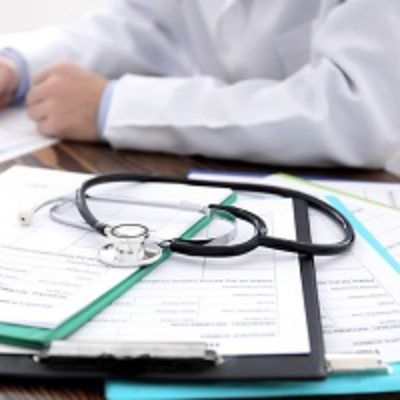 Должен ли врач вернуть региональное пособие на обустройство, если он перешел работать в другое госучреждение того же региона?