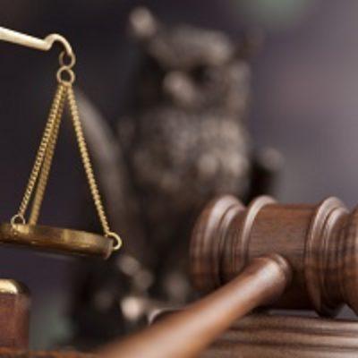 ВС РФ признал неправомерным решение налоговой инспекции о приостановлении операций преобразованного ООО по счетам в банке