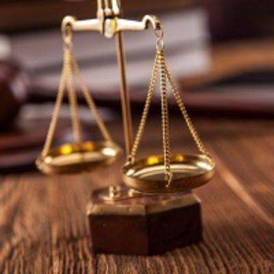 Отпускные за неотработанные дни отпуска и выплаченная авансом зарплата не могут быть взысканы в суде  с работника после увольнения