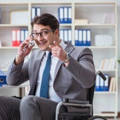 Столичные власти начали распределять среди работодателей гранты за активное участие в трудоустройстве инвалидов