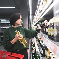 Допустимо ли торговать спиртным в здании студенческого общежития?