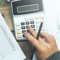 ФНС России: физлицо, состоящее на налоговом учете по нескольким основаниям, уплачивает страховые взносы по каждому из них