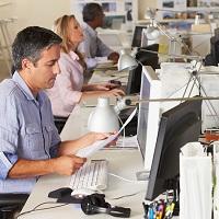 В расходах можно учесть сумму премии уволенному работнику, если она предусмотрена локальным нормативным актом