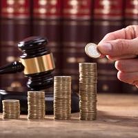 Судебные расходы при снижении компенсации за нарушение исключительных прав нужно распределять пропорционально