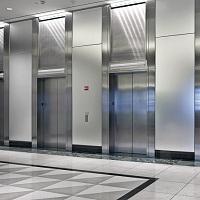 Роструд: работодатель обязан обеспечивать условия для использования лифтов даже после окончания рабочего времени лифтеров