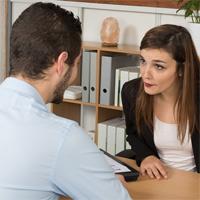 Акционер не всегда может потребовать от организации ознакомления с трудовыми договорами работников