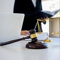УК не смогла признать в суде порочащими ее репутацию те сведения, которые содержались в жалобе на ее работу