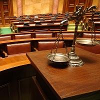 Прекращение дел частного обвинения в связи с декриминализацией против воли обвиняемого могут запретить