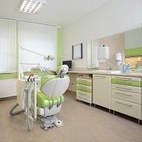 Стоматологической клинике назначили штраф за жару и отсутствие кондиционера
