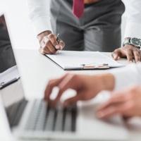 Правительственная комиссия по законопроектной деятельности одобрила законопроекты о переходе на электронные трудовые книжки