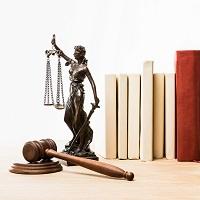 """Мосгорсуд: установление """"вилки окладов"""" для одинаковых должностей – законно"""